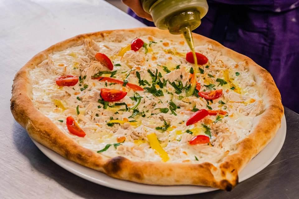 Qui dit tomate-mozzarella dit pizza napolitaine à Molsheim